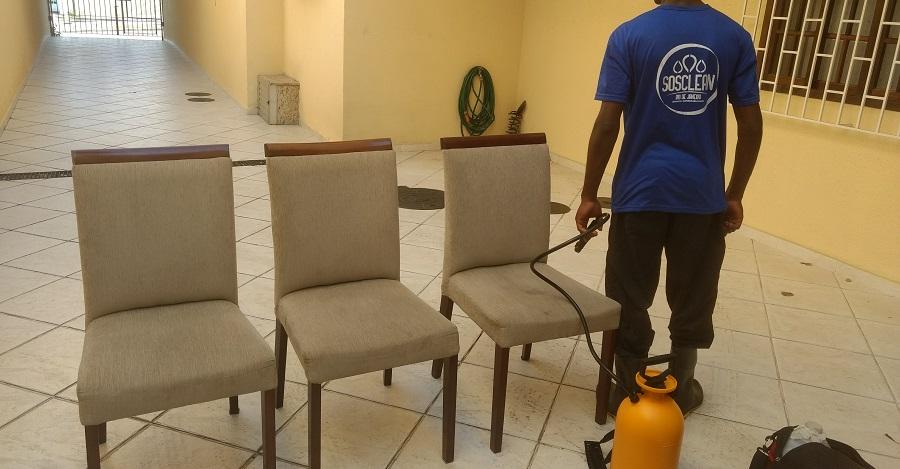 Limpeza de Cadeira estofada